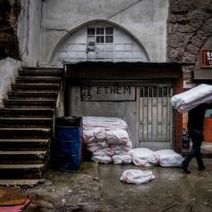 La zona che costeggia il bazar delle spezie, il quartiere egiziano, è un susseguirsi di antiche botteghe.