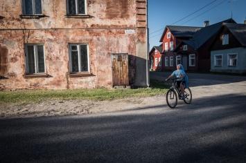 Quasi tutti gli abitanti di Kallaste, Kolkja e Varska sono di lingua russa. A Kolkja ha sede il nuovo edificio scolastico e alcuni dei più graziosi edifici rurali del paese