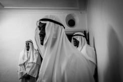 I penitenti in attesa dell'inizio della processione dei misteri