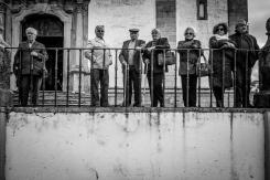 fedeli alla processione della resurrezione a Castelo de Vide, cittadina dell'Alentejo