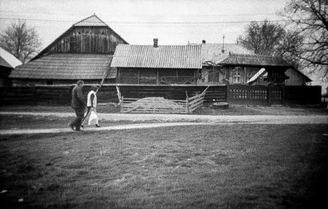 Distretto di Suceava - Tornando a casa dopo la spesa di Pasqua